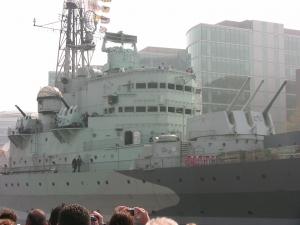 Londres-jvc-jevouschouchoute-bateau_de_guerre