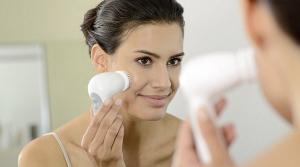 epilateur-braun-femme-brosse-visage