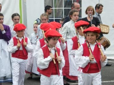 danseurs basques enfants