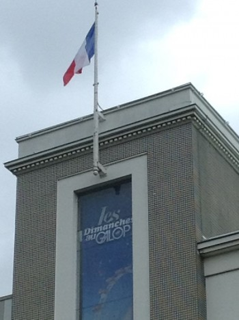 franc galop drapeau jvc