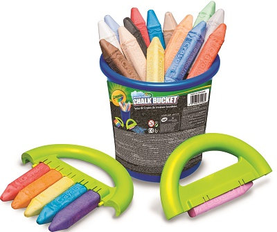 CRAYOLA_OUTDOORS_ChalkBucket_BLUE_9.99€_jevouschouchoute_jvc