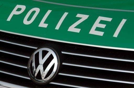 voiture-de-police-allemande, JVC jevouschouchoute