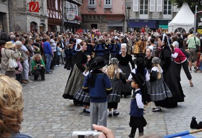 Festival Cornouaille Quimper-Danses_jevouschouchoute_jvc