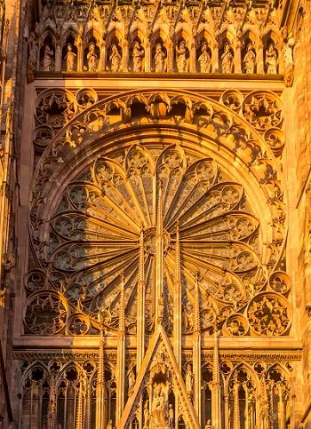 ALSACE-Rose cathédrale - Crédit Photo Philippe de Rexel