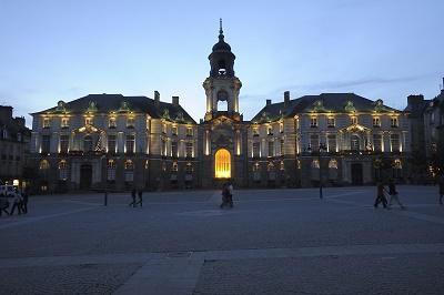 BRETAGNE-Rennes-nuit-©CRTB-LeGal_jevouschouchoute
