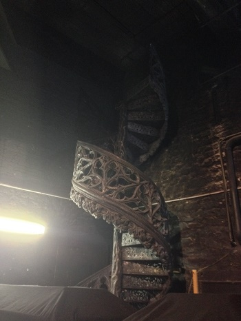 baldesvampires_jevouschouchoute_jvc_coulisses escalier