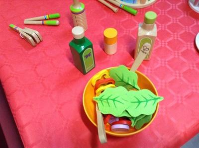 service à salade, jouets de la marque Hape, 20€