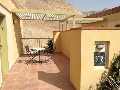 terrasse du bungalow d'Ein Gedi